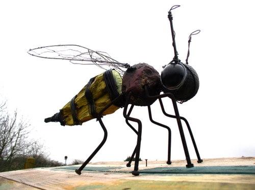 abeille,assemblage,gerard collas,sculpture,art,brut,modeste,singulier