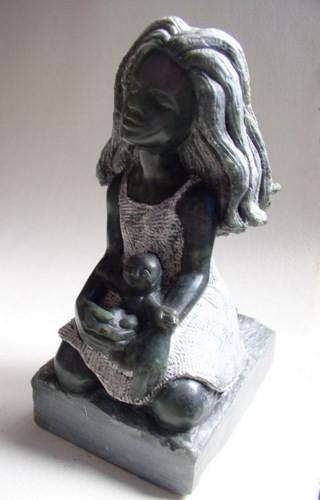 jeune fille à la poupée noire (1).JPG