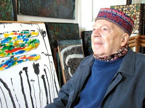 René Moreu dans son atelier à Vayarc (Lot).jpg